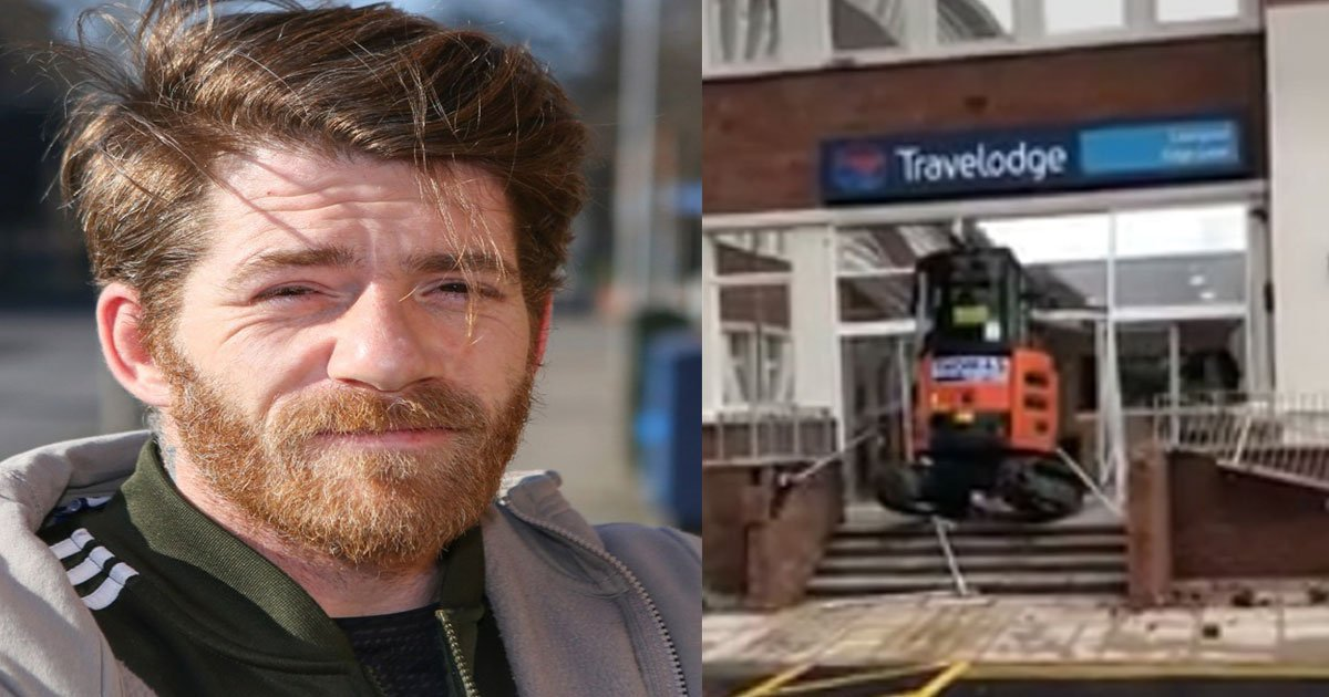 man drove digger into travelodge because he wasnt paid over christmas.jpg?resize=412,232 - A Man Drove An Excavator Into Travelodge Because He 'Wasn't Paid Properly'