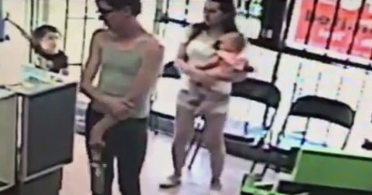 mother saves daughter being kidnapped.jpg?resize=1200,630 - Mother's Quick Thinking Saved Her Daughter's Life