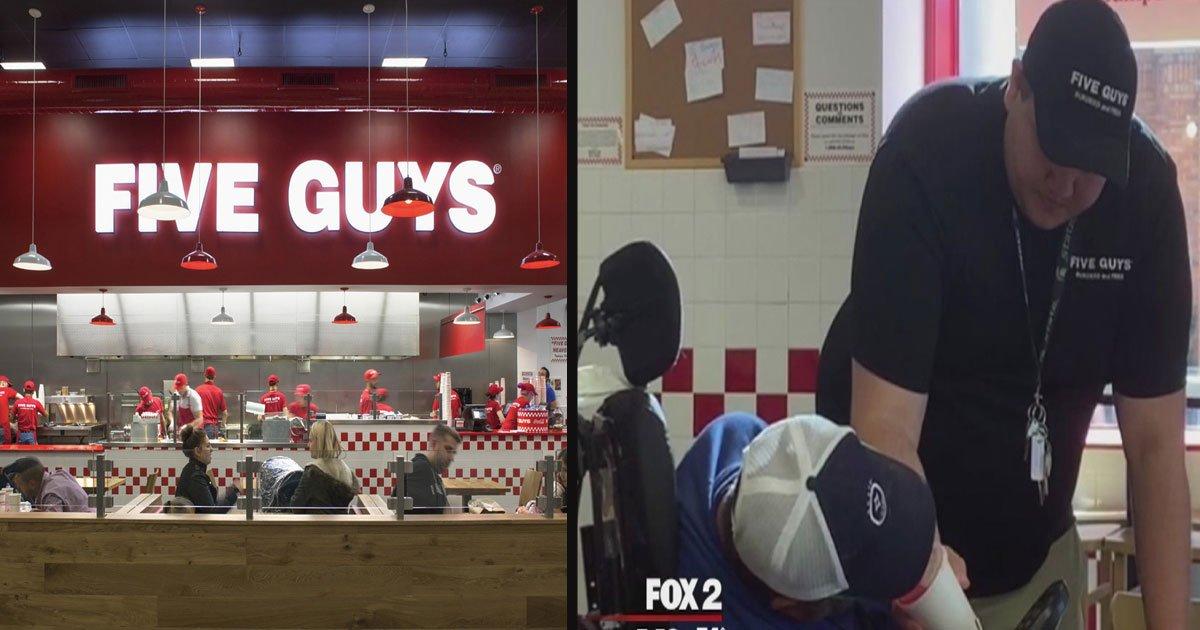 untitled 1 45.jpg?resize=412,232 - Le responsable de ce restaurant Five Guys a offert un repas gratuit et aidé un client malade qui avait du mal à manger par lui-même.