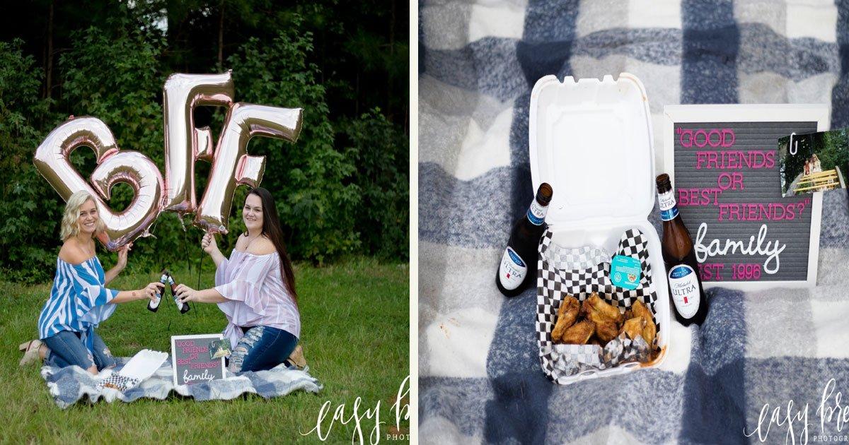 untitled 1 96.jpg?resize=300,169 - Deux meilleures amis ont célébré leurs 23 ans d'amitié en faisant une séance photo