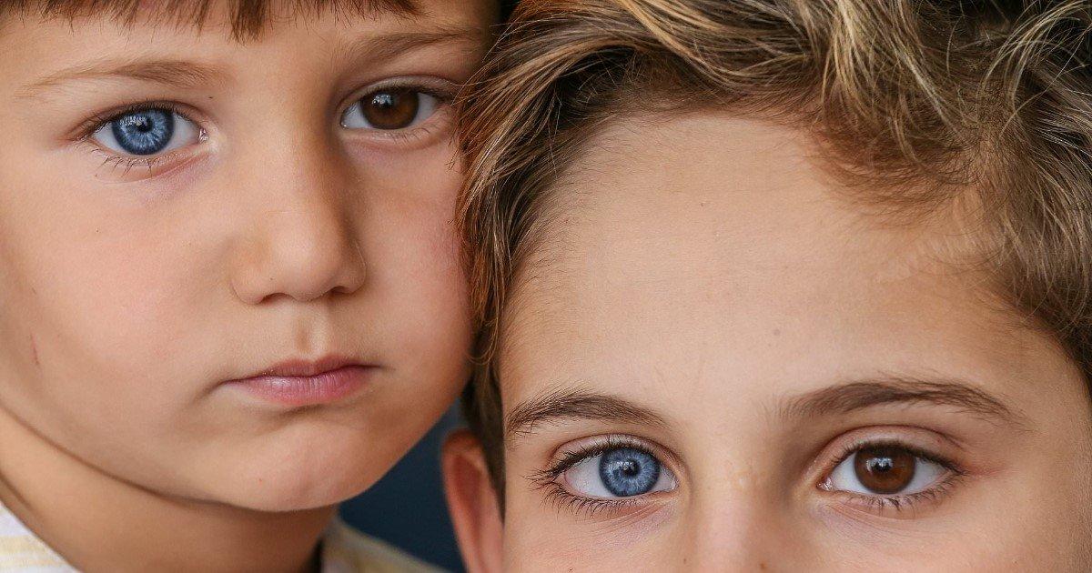 a 15.jpg?resize=188,125 - Superbes photos de frères aux yeux très rares
