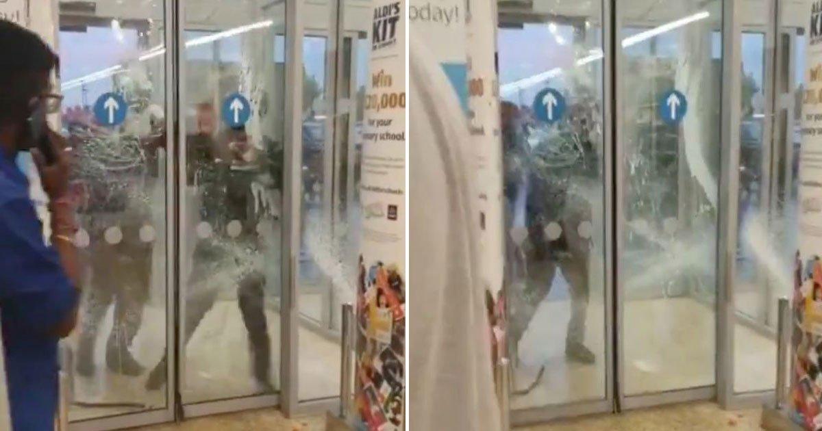 armed gang break in aldi store.jpg?resize=1200,630 - An Armed Gang Wearing Knuckle Dusters Tried To Break Into An Aldi Store