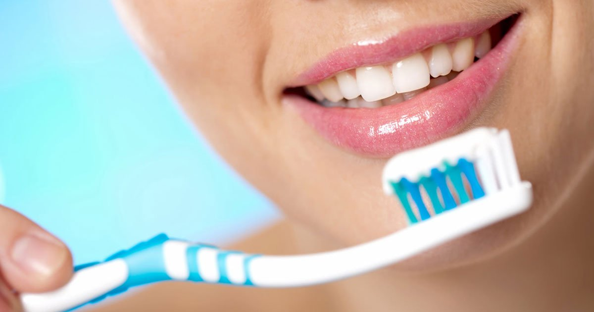 brits forgot brushing teeth.jpg?resize=412,232 - Survey Revealed One In Three Brits Regularly Skip Brushing Their Teeth