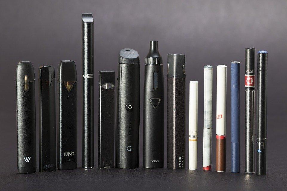cigarette elec.jpg?resize=412,232 - Cigarettes électroniques: 18 morts et des milliers de personnes malades aux États-Unis