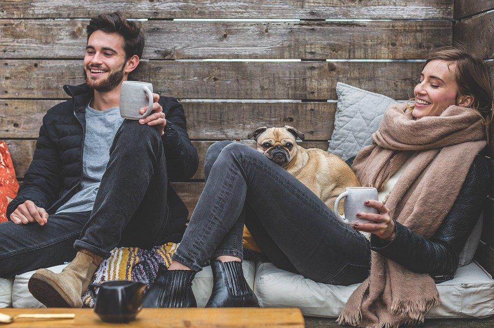 couple 2.jpg?resize=412,232 - Découvrez les 10 habitudes que les couples ont quand ils sont ensemble depuis longtemps
