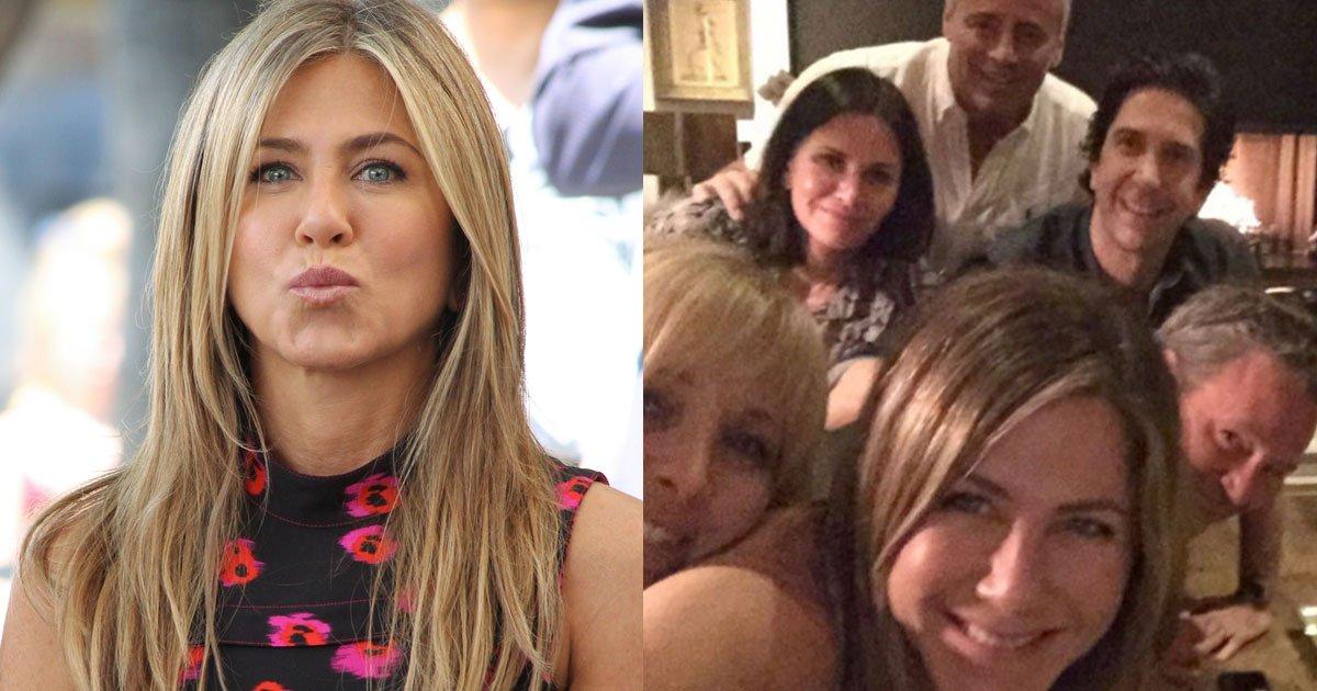 jennifer aniston broke instagram with her debut and friends reunion photo.jpg?resize=412,232 - Jennifer Aniston Literally 'Broke' Instagram With Her Debut