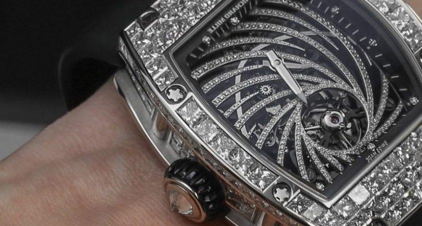 montre 1.jpg?resize=412,232 - En plein Paris, un homme d'affaire s'est fait arracher sa montre à 800.000 euros