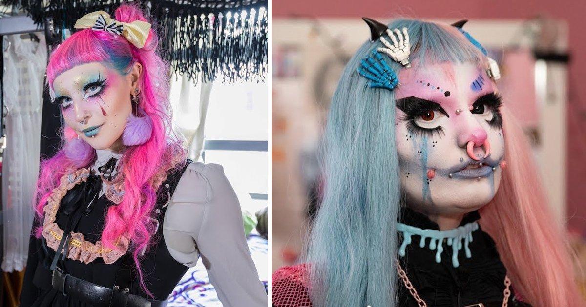sdgsdgsss 1.jpg?resize=412,275 - Une maquilleuse se transforme régulièrement en poupée grâce à du maquillage et des costumes
