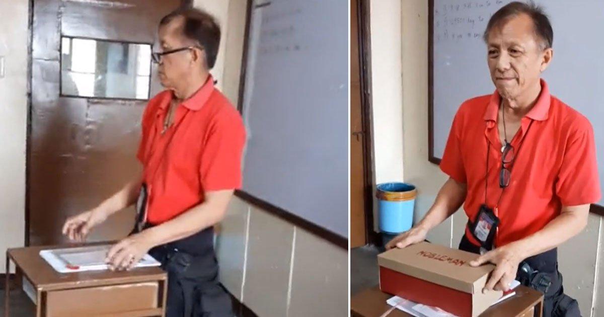 teacher got surprise gift.jpg?resize=412,232 - Un professeur qui doit marcher deux heures par jours pour se rendre à l'école reçoit une belle surprise