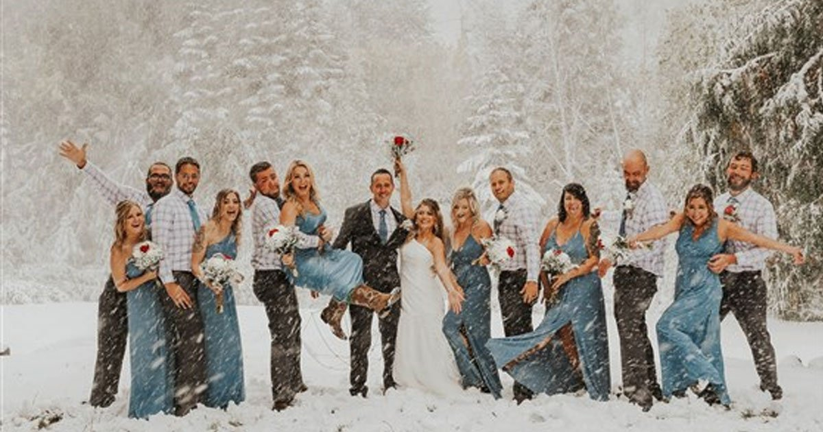 untitled 1 21.jpg?resize=300,169 - Out-Of-Season Snowstorm Created Breathtaking Photos Of A Couple's Wedding Day