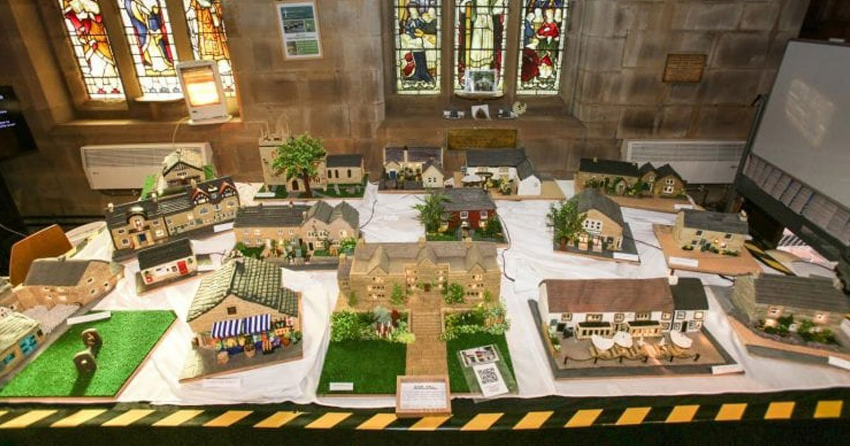 woman recreated edblie village.jpg?resize=412,232 - Woman Recreated An Edible Derbyshire Dales Village To Raise Funds For A Bus Community