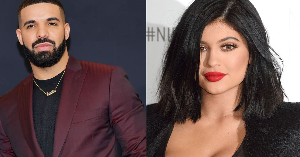 a source revealed drake and kylie jenner hang out with each other but their relationship is complicated.jpg?resize=300,169 - Une source révèle que Drake et Kylie Jenner se tournent autour depuis le mois d'octobre