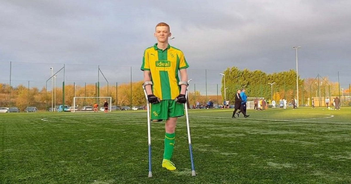 a3 2.jpg?resize=412,232 - Teen Soccer Player Whose Leg Was Amputated Due To Bone Cancer Is Now Playing For Amputee Team