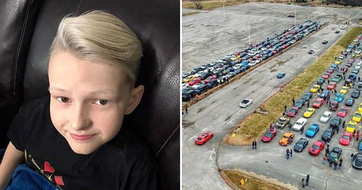 cars.png?resize=412,232 - Des centaines de voitures de sport forment une procession spéciale lors des funérailles d'un garçon de 14 ans