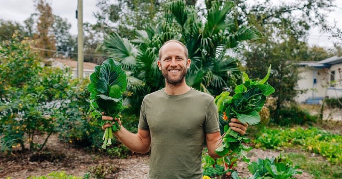 f3 2.jpg?resize=412,232 - A Man Challenged Himself By Building A $1,500 House, Catching, And Growing His Own Food For A Year