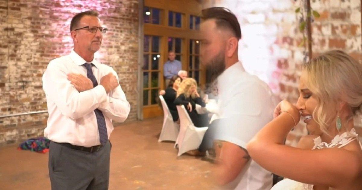 s3 7.jpg?resize=412,232 - Réception de mariage : Le père interprète une chanson en langue des signes pour sa fille