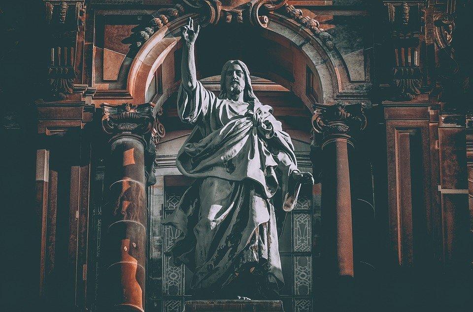 statue.jpg?resize=412,232 - Suite à la décapitation d'une statue dans une chapelle du Bas-Rhin, un appel à témoins est lancé