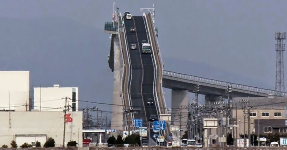 3 188.jpg?resize=412,275 - Famous Bridge In Japan Looks More Like A Roller Coaster