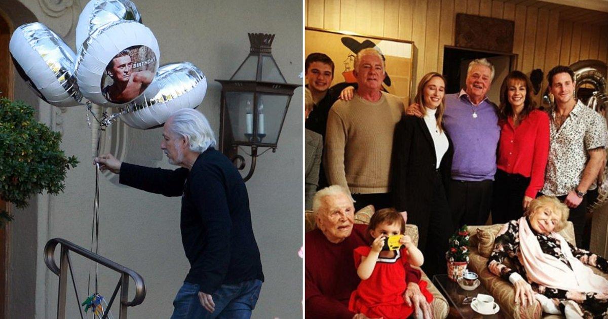 5 18.png?resize=300,169 - Kirk Douglas a célébré ses 103 ans avec toute sa famille