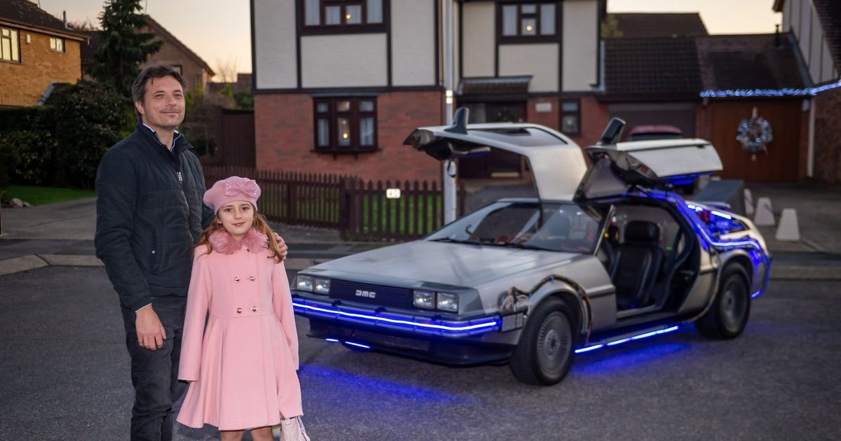 dd.jpg?resize=1200,630 - A Man Spent $105,000 To Bring Back DeLorean To Life, Making It Exactly Like The One From Back To The Future