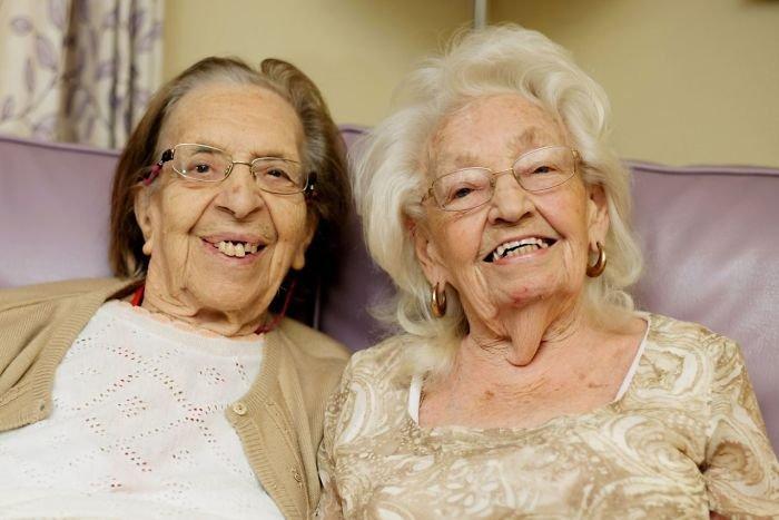ipnoze.jpg?resize=412,232 - Pour leur 80 ans d'amitié, elles emménagent dans la même maison de soins