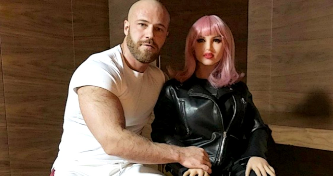 this actor and bodybuilder is marrying his doll.jpg?resize=1200,630 - A Bodybuilder Announced He'll Be Marrying His Doll