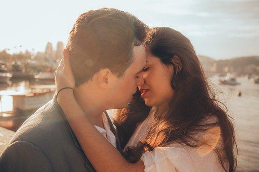 Affection、Hugging、Kissing、Blur