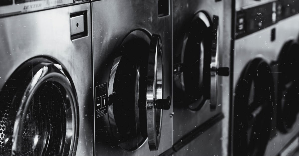 High School Installed Laundry Room To Help Students Living In Poverty Regain Dignity