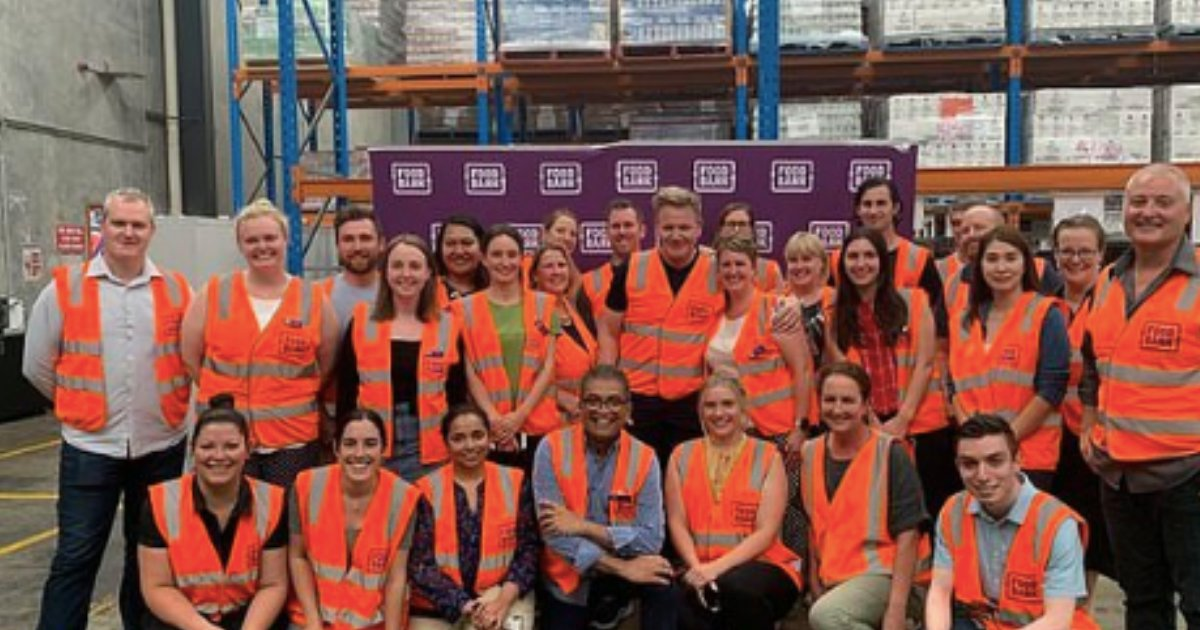 2 44.png?resize=1200,630 - Gordon Ramsay Came Forward to Help Sufferers From The Bushfire As He Volunteered at a Food Bank in Melbourne