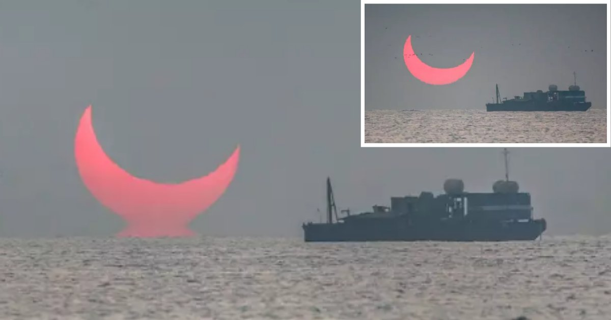 """4 26.png?resize=1200,630 - During Solar Eclipse, A Photographer Clicked A Rare """"Evil Sunrise"""" In the Persian Gulf"""