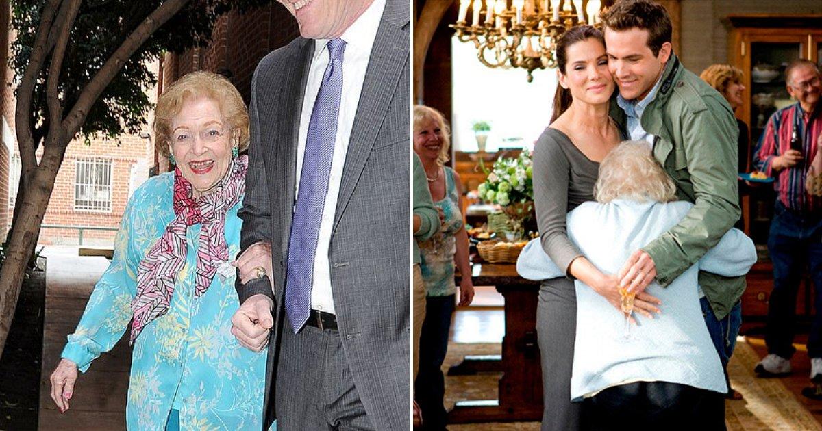 betty5.png?resize=1200,630 - 'Golden Girl' Betty White Celebrated Her 98th Birthday, Ryan Reynolds And Sandra Bullock Reunited To Serenade Her