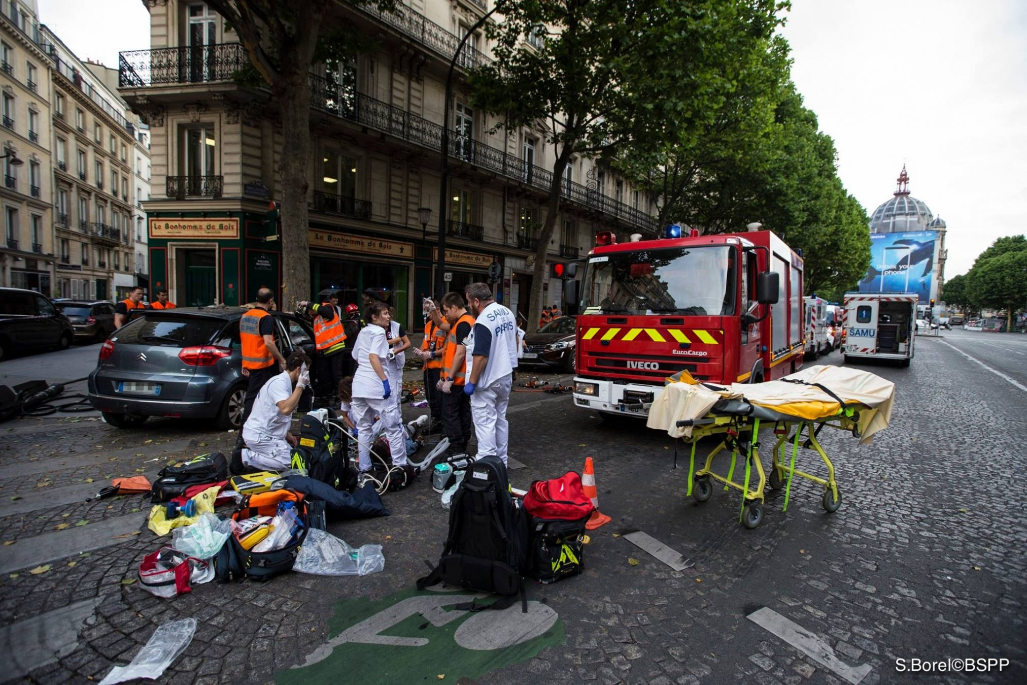bspp.jpg?resize=1200,630 - Une fillette de 11 ans meurt après avoir été renversée par un camion en allant à l'école