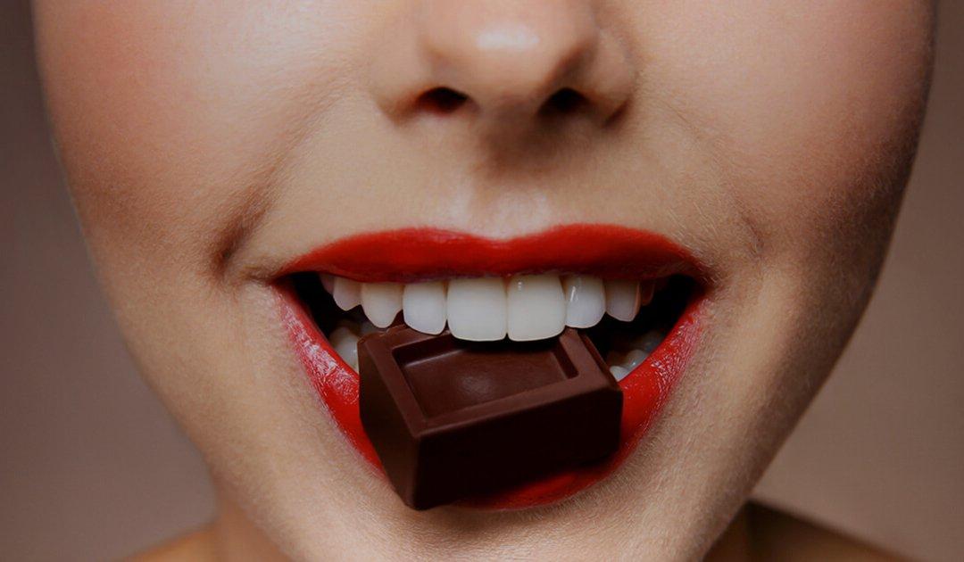chocolat noir.jpeg?resize=412,232 - Bien-être: Manger du chocolat noir réduit les risques de dépression