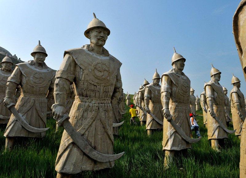 d7baf5e7808e3153b54415603c361632.jpg?resize=300,169 - Instant culture : Saviez-vous que le conquérant Gengis Khan a provoqué la mort de 40 millions de personnes au XIIe siècle ?