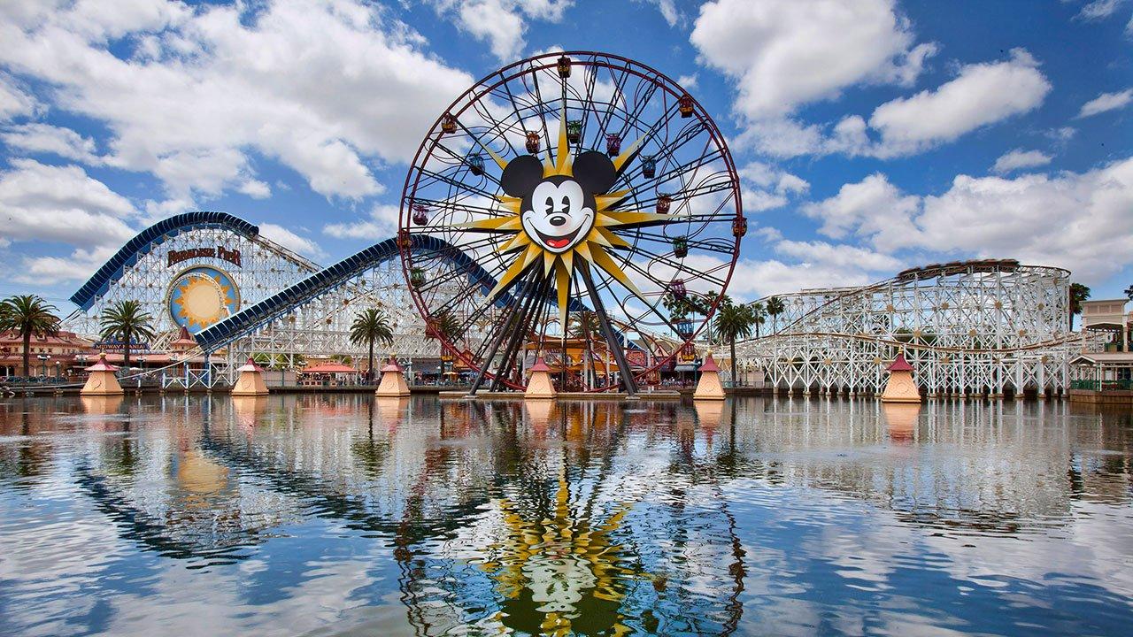 disney2 1.jpg?resize=412,232 - Offre d'emploi: devenez testeur de parc d'attraction pour 3500 euros par mois