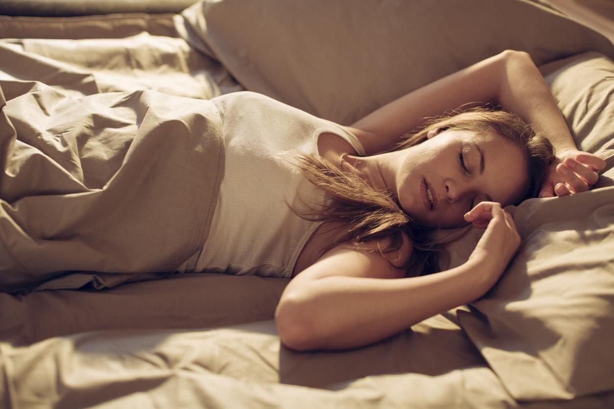 doctissimo.jpg?resize=412,232 - Pourquoi les femmes ont-elles besoin de plus de sommeil que les hommes ?