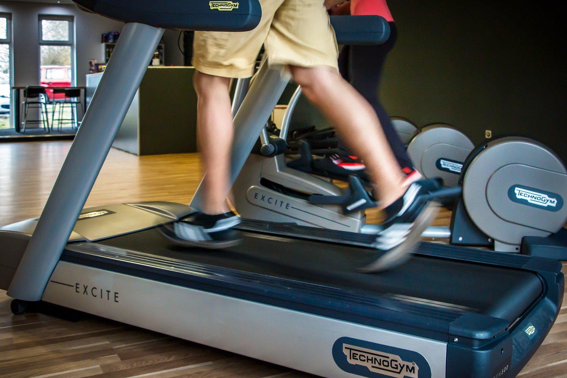 fitness 957115 1920.jpg?resize=412,232 - Le saviez vous ? Avant de faire fureur dans les salles de sport, les tapis de course étaient des appareils de torture.