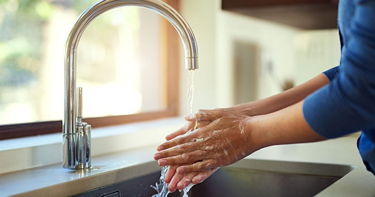 five step method for washing hands properly to prevent yourself from coronavirus and the flu.jpg?resize=412,232 - Five-Step Method For Washing Hands Properly To Prevent Yourself From Coronavirus And The Flu