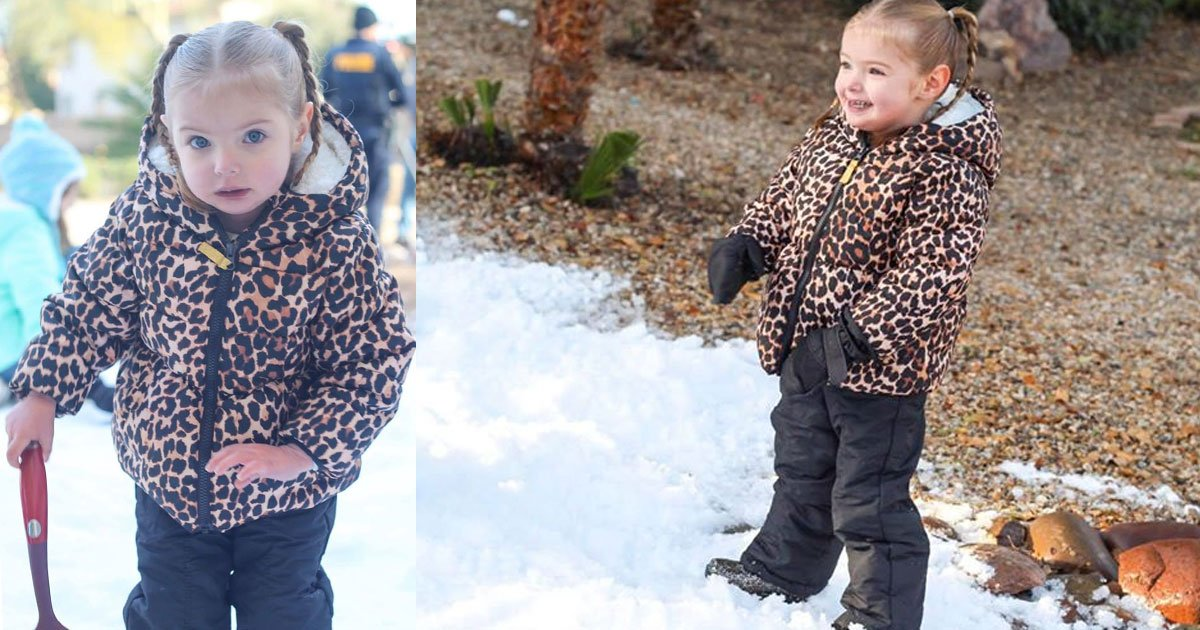 girl with left heart syndrome got a surprise snow party by local officers as she couldnt go on vacation.jpg?resize=1200,630 - 2-Year-Old Girl Got A Surprise 'Snow Party' By Local Officers As She Couldn't Go On Vacation Due To Her Health