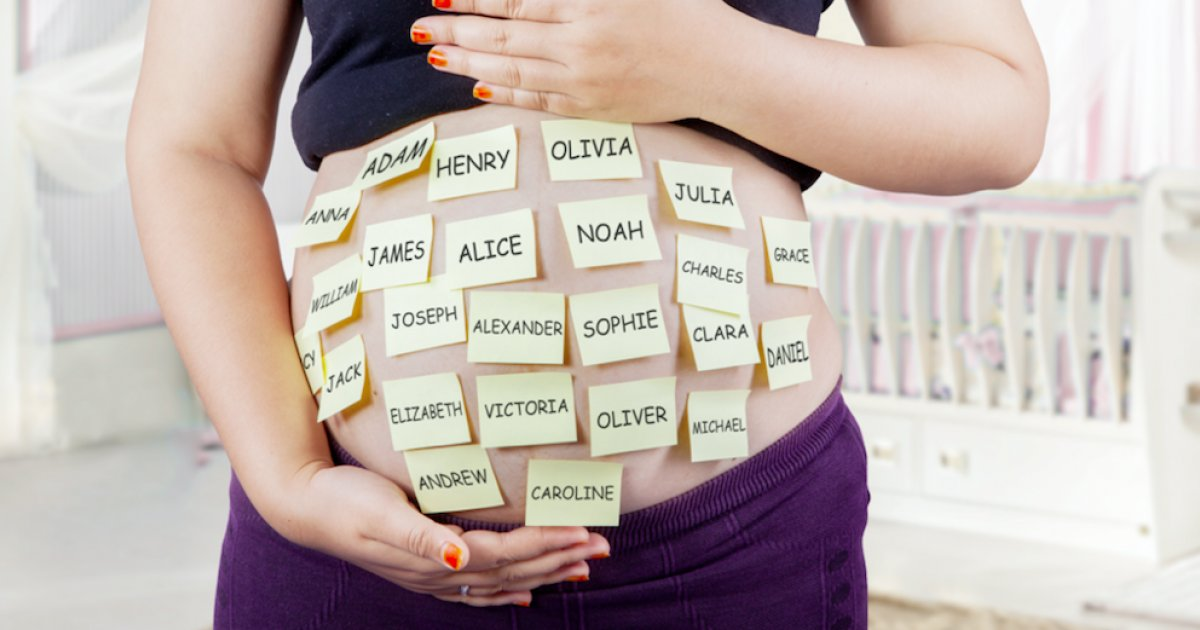tpl moms.png?resize=1200,630 - Les 15 prénoms les plus fous donnés aux enfants dans les années 2010