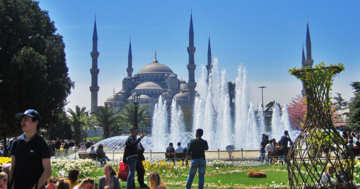 untitled design 91.png?resize=1200,630 - Fransız Dergisi İstanbul'a Gelecek Turistleri Türklerin 5 Tuzağına Düşmemeleri İçin Uyardı!