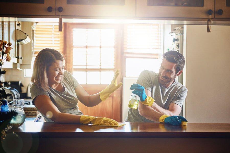 Resultado de imagen de parejas ayudando