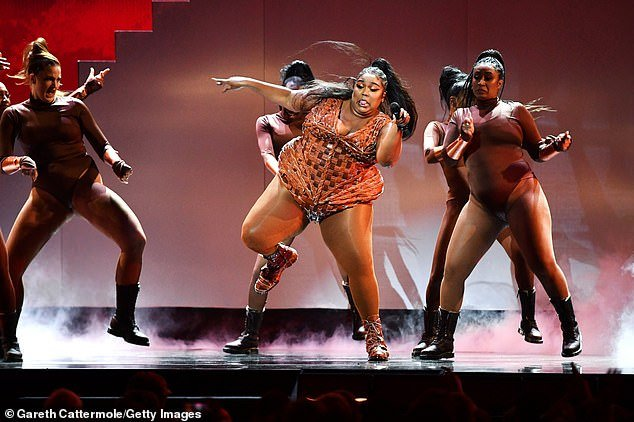 Juice! Lizzo danced her heart out alongside her scantily-clad backing dancers