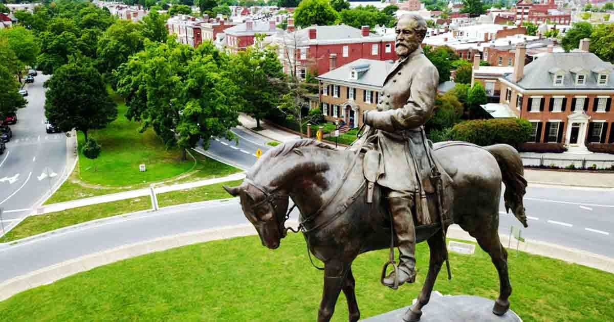 aaaaa.jpg?resize=412,232 - Virginia To Eliminate A State Holiday Honoring Confederate Generals Robert E. Lee and Stonewall Jackson
