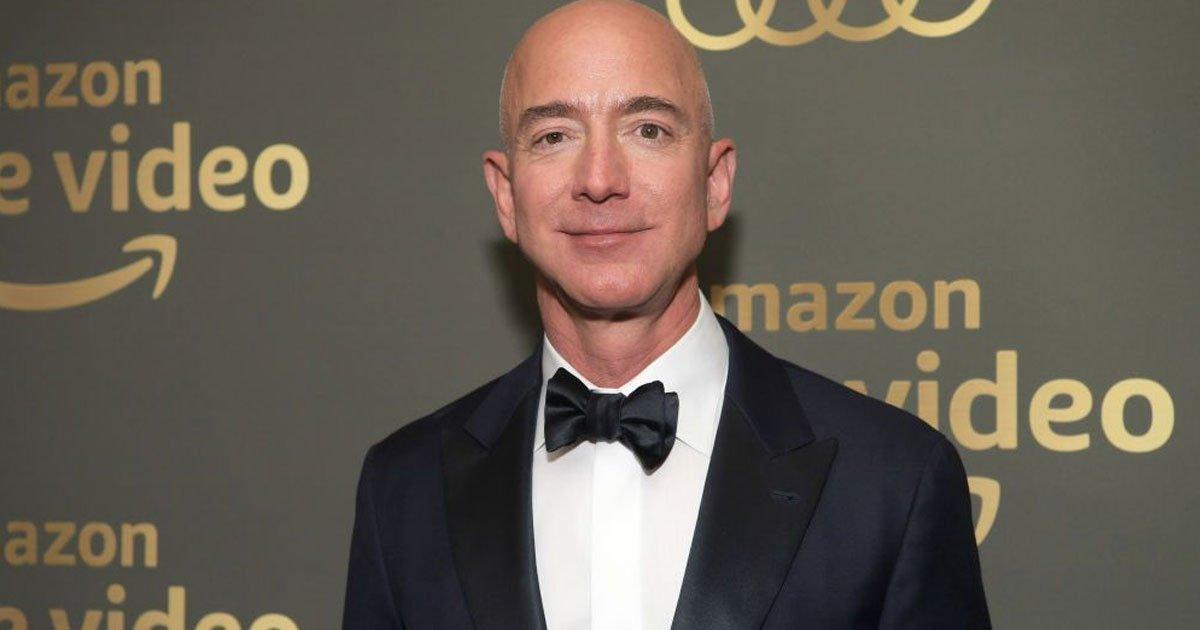 amazon ceo jeff bezos has bought david geffens beverly hills home for 165 million.jpg?resize=300,169 - Amazon CEO Jeff Bezos Bought David Geffen's Beverly Hills Home For $165 Million