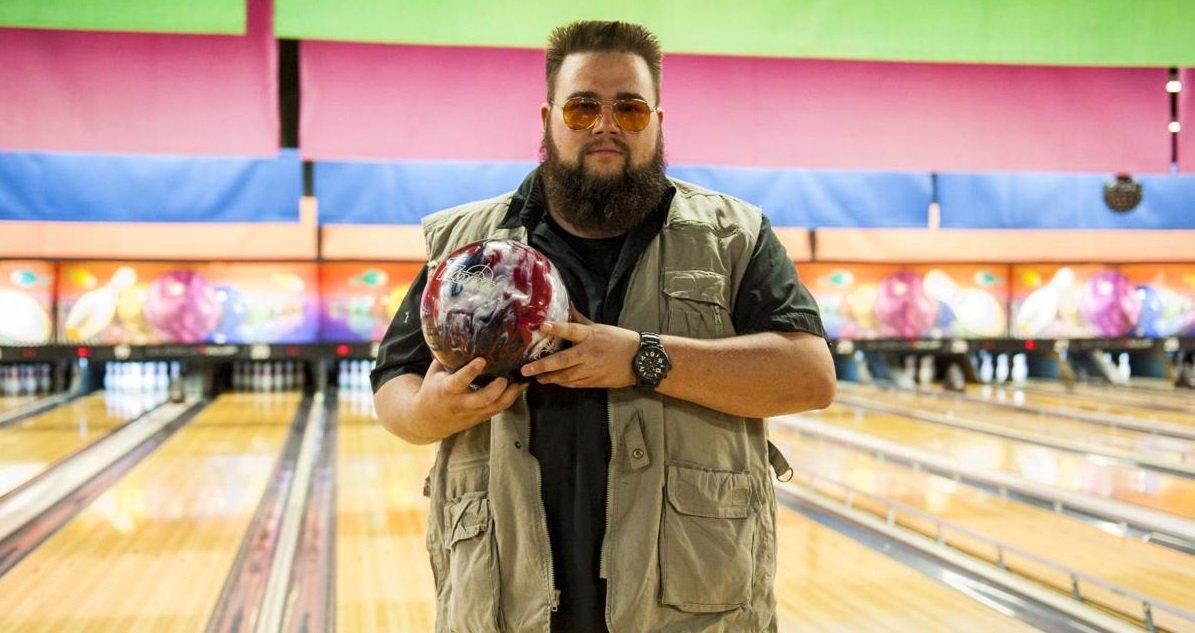 bowling.jpg?resize=412,232 - Voici les 10 astuces pour gagner au bowling et faire des strikes à la chaîne !