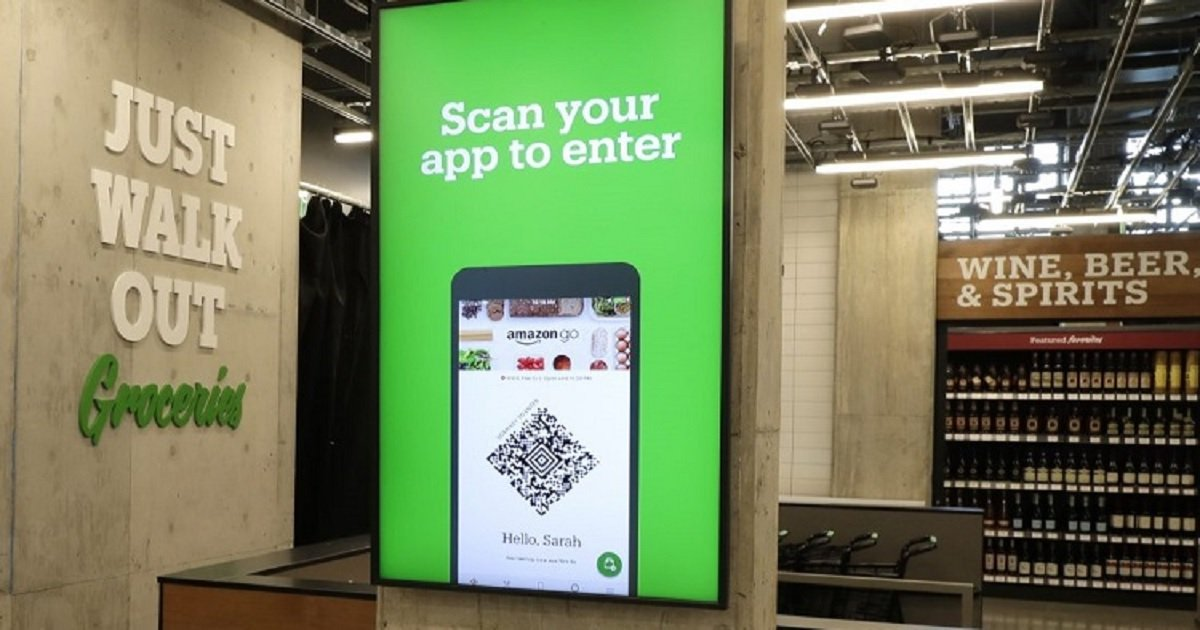 c3 10.jpg?resize=412,232 - There Isn't A Single Cashier In The Amazon's New Supermarket