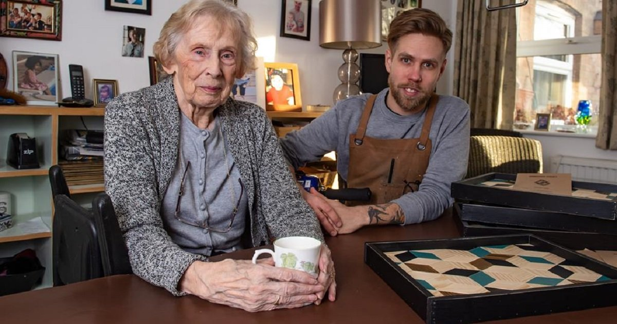 g3 2.jpg?resize=412,232 - A-List Carpenter Owes His Success To An Unlikely Business Partner - His Grandma