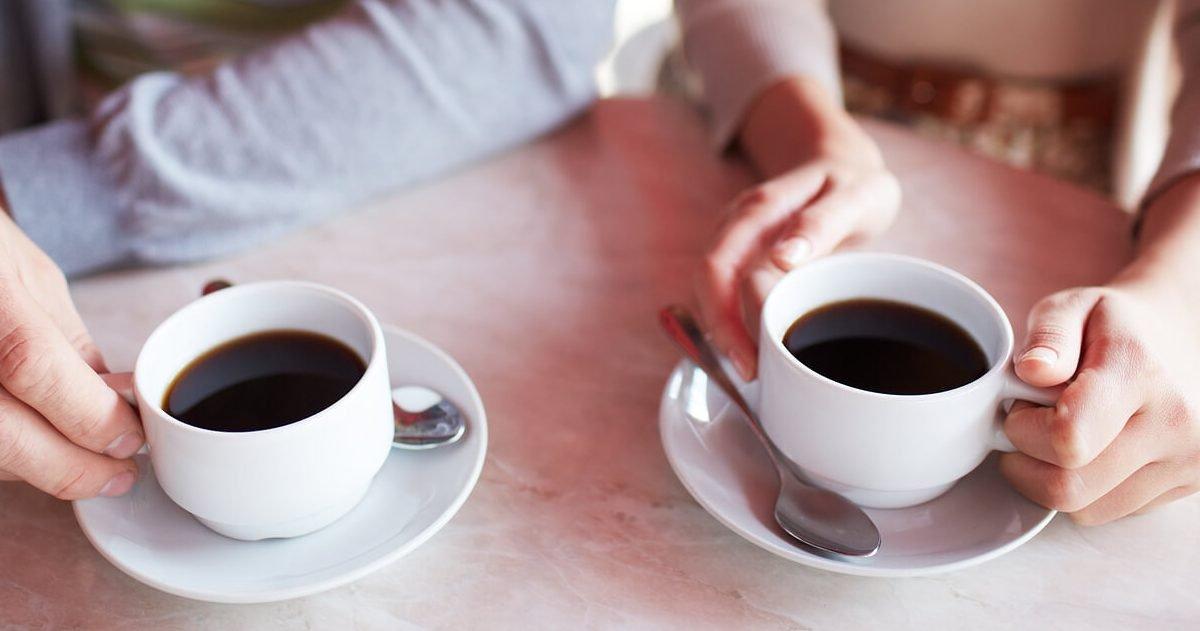 metabolize caffeine differently e1582734865477.jpg?resize=366,290 - Votre employeur pourrait-il décompter vos pauses-café de votre temps de travail ?