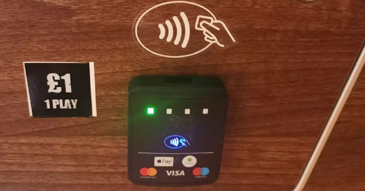 p3 4.jpg?resize=412,232 - People Are Loving The Tap Card Payment Option For Pool Tables In Pubs